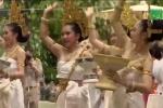 Thái Lan làm lễ tạ lỗi thần linh, rửa tội cho đội bóng nhí