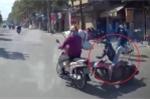 Bị vu tông ngã xe máy, tài xế ô tô được camera hành trình giải oan vào phút chót