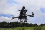 Người đàn ông Trung Quốc tự chế tạo xe bay như phim viễn tưởng