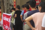 Clip: Dân Hà Nội xếp hàng cả tiếng đồng hồ để mua bánh trung thu truyền thống