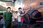 Dùng pin thối nhuộm cà phê phế thải: Chủ cơ sở sản xuất chưa khai nhận