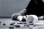 Nghi vấn hiệu phó ở Cà Mau uống thuốc tự tử do vỡ hụi