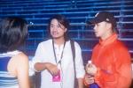 Dong Nhi coi giay, nhay cuc sung cung dan thi sinh Hoa hau Viet Nam 2018 hinh anh 9