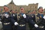 Video: 10.000 binh sỹ khoe sức mạnh cùng dàn vũ khí tối tân trên Quảng trường Đỏ