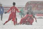 Video: Quang Hải bới tuyết, sút phạt tuyệt đẹp gỡ hoà cho U23 Việt Nam