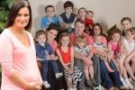Vừa tuyên bố chỉ đẻ 20 con, người phụ nữ 43 tuổi đã mang thai lần thứ 21