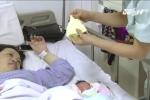Bà bầu 42 tuổi phải nằm bất động trên giường 9 tháng để giữ con