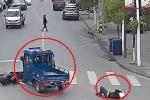 Clip: Gây tai nạn bỏ chạy, xe ba gác bị 3 ô tô truy đuổi, đâm lật nhào