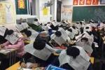 Chiêu chống gian lận 'bá đạo' của giáo viên Trung Quốc