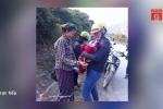 Đang đi dạy về, 9 cô giáo Nghệ An giúp sản phụ đẻ rơi trên đường