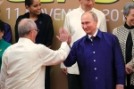 Video: Hành động thú vị của Tổng thống Nga và Tổng thống Peru trong sự kiện chụp ảnh APEC
