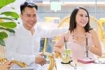 Nhạc sĩ Dương Cầm trẻ trung đến chúc mừng Sao Mai Hồng Duyên