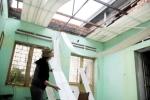 Lốc xoáy thổi bay hơn 40 mái nhà ở Lâm Đồng