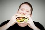Thói quen ăn một mình có thể dẫn bạn đến 'nghĩa địa' nhanh hơn người khác