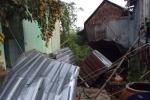 Chưa đổ bộ đất liền, bão số 10 đã gây lốc xoáy cuốn 31 nhà dân