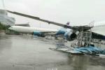 Siêu bão Meranti thổi dạt máy bay Boeing
