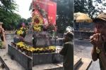 Cảm động hình ảnh người lính già vượt đường xa, tới nghĩa trang thổi kèn tưởng nhớ đồng đội