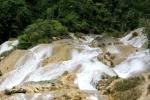 Rùa khổng lồ ẩn mình trong núi và chuyện hang đá cứ giậm chân là nước tuôn trào
