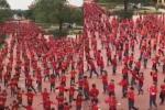 Hơn 1.000 học sinh trường tiểu học tại Hà Nội đồng diễn cổ vũ đội tuyển Việt Nam