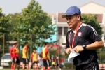 Tạm biệt Park Hang Seo, 'phó tướng' của Công Vinh trở về làm cánh tay phải HLV Miura