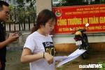 Ảnh: Ngủ quên, một thí sinh ở Hà Giang không được vào thi môn Văn