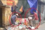 Video: Tận mắt thấy những kẻ hàng xóm bất nhân vứt rác vào nhà người đàn ông tâm thần ở Hà Nội