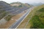 Video: Đường BOT gần 3.000 tỷ đồng xuyên núi nối Hà Nội - Hòa Bình nhìn từ flycam