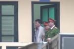 Video: Trịnh Xuân Thanh bước ra khỏi phòng chờ xử