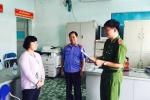 Bắt 3 nghi can buôn lậu iPhone qua cửa khẩu Tân Sơn Nhất