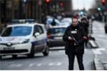 Nổ súng ở đồn cảnh sát Paris 1 năm sau thảm họa Charlie Hebdo