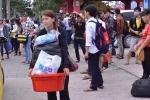 Sinh viên tích trữ mỳ tôm, cuống cuồng đón siêu bão