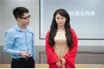 Vẻ đẹp kỳ lạ của 'nữ thần robot' Trung Quốc