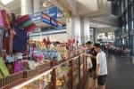 Bán đồ ăn, lưu niệm tại sân bay thu về 2.600 tỷ đồng một năm