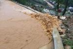 Clip: Lũ quét xối xả ở Sa Pa khiến du khách kinh hãi