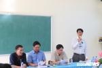Xuc pham thay giao vi chiec quan short cua con gai: Chong den truong xin loi thay vo hinh anh 1