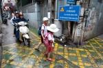 Hà Nội: Thú vị với 'làn đường ưu tiên BRT trong ngõ' đầu tiên