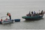 Cứu thuyền trưởng bị thủng dạ dày trên biển Cửa Lò