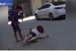 Clip: Chia tay bạn trai, cô gái bị đánh đập, đòi trả lại 'tình phí'