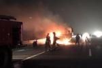 Video: Xe tải bốc cháy ngùn ngụt trên cao tốc Hà Nội – Hải Phòng