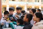 Asanzo tặng 30 máy lọc nước cho các trường học quê cầu thủ Quang Hải