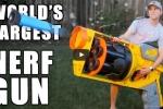 Xem khẩu súng đồ chơi lớn nhất thế giới nhả đạn 'thần sầu'