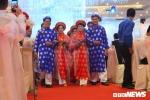 100 cặp đôi rạng ngời hạnh phúc trong lễ cưới tập thể ở TP.HCM