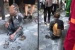 Người đàn ông đi xe đạp, tẩm xăng tự thiêu trên phố Hà Nội