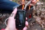 Phát minh mới: Sạc pin điện thoại thông minh bằng lửa
