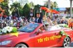 Chú rể Đắk Lắk trang trí ô tô cực độc vừa đón dâu, vừa cổ vũ U23 Việt Nam