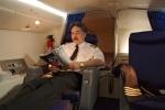 Cận cảnh phòng ngủ bí mật của phi công trên máy bay