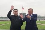 Video: Bản sao Kim Jong-un và Trump thích thú tham quan Hà Nội
