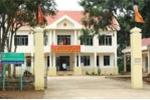 Cô giáo xông vào trụ sở UBND xã đánh người, xúc phạm cán bộ