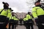 Tổng thống Hàn Quốc bị phế truất: Cảnh sát dày đặc bên ngoài tòa án