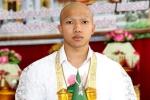 'Messi Thái' nghỉ đá bóng, cạo đầu lên chùa báo hiếu